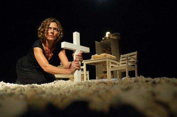 Laura Lattuada, L'inferno non esiste?