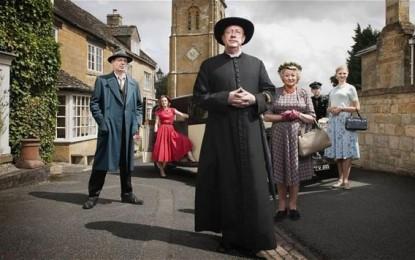 In bicicletta con Padre Brown nella campagna inglese