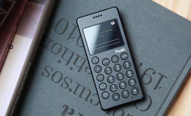 MP01 un cellulare che libera e ritorna indietro