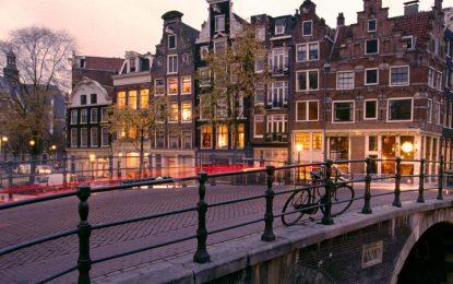 Amsterdam, i canali tra storia e fascino