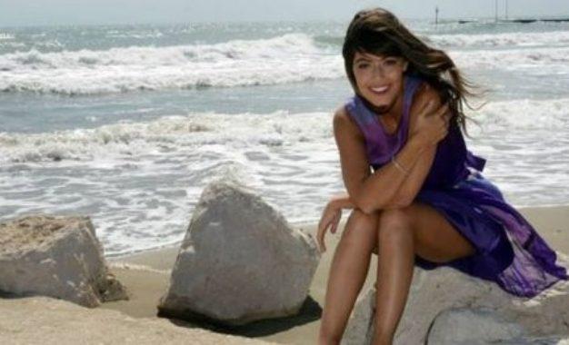 Alessandra Mastronardi, il sorriso che illumina lo schermo