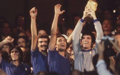 Nazionale di calcio copia conforme dell'Italia attuale