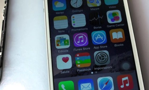 Continue lamentele su cellulari e altri prodotti Apple