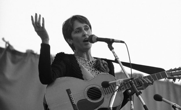 L'inimitabile Joan Baez al tour d'addio alle scene