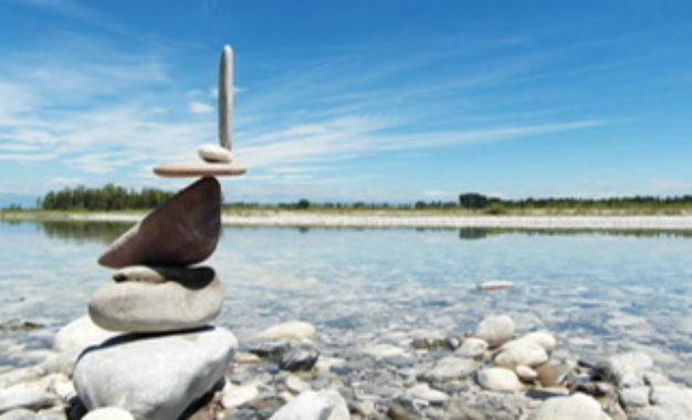 Stone Balancing: instabilità di un equilibrio stabile