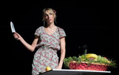 Lavinia Savignoni con il suo spettacolo, tra energia e determinazione