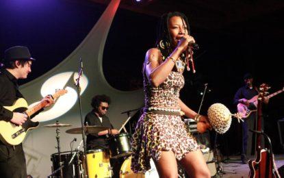 Fatoumata Diawara, sensuale, bella, piena di talento