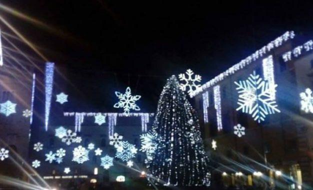 Giochi di luce a Todi, il Natale in tempo di Covid